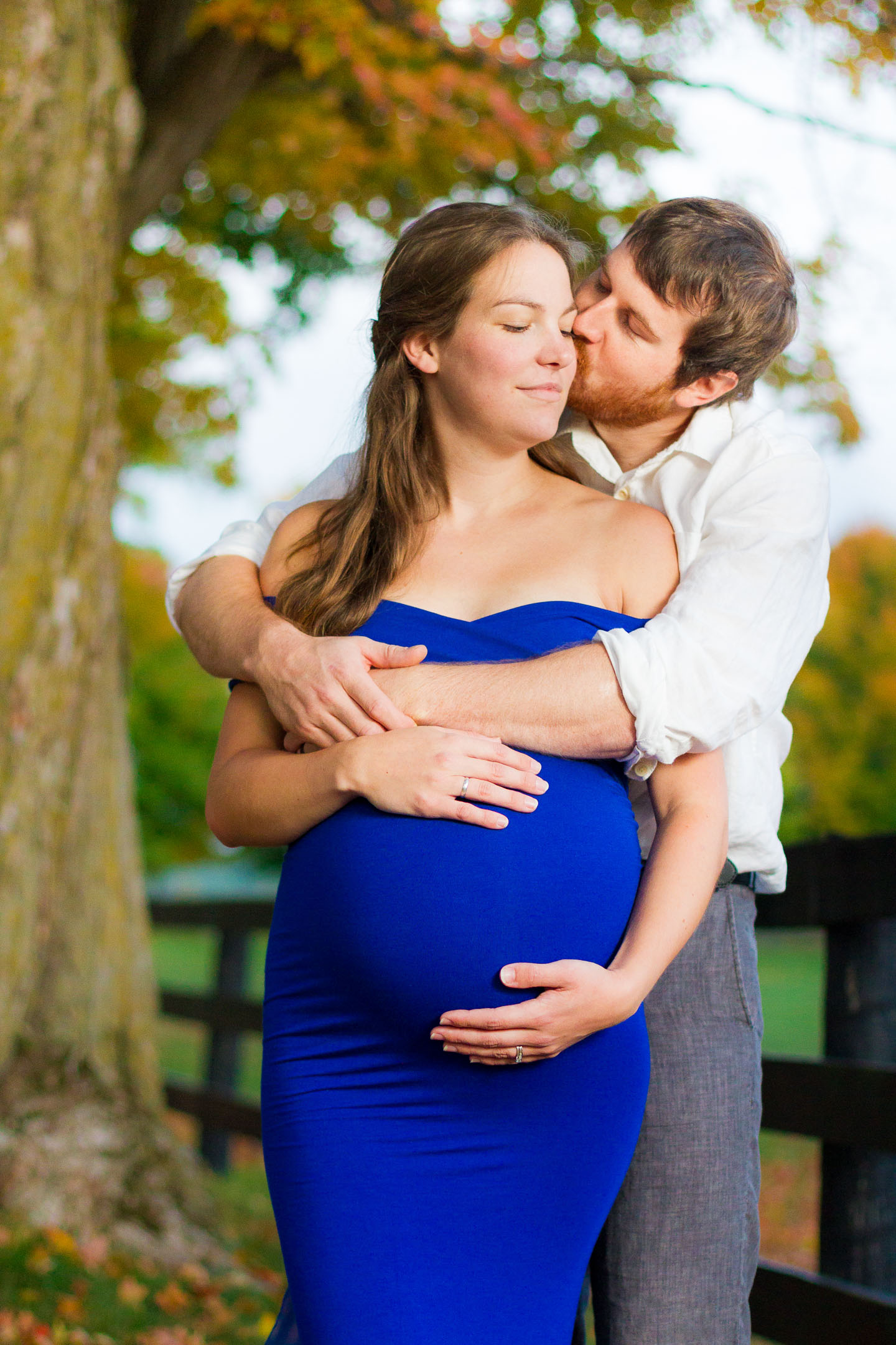 A maternity portrait of a woman and her husband in Orangeville, Ontario