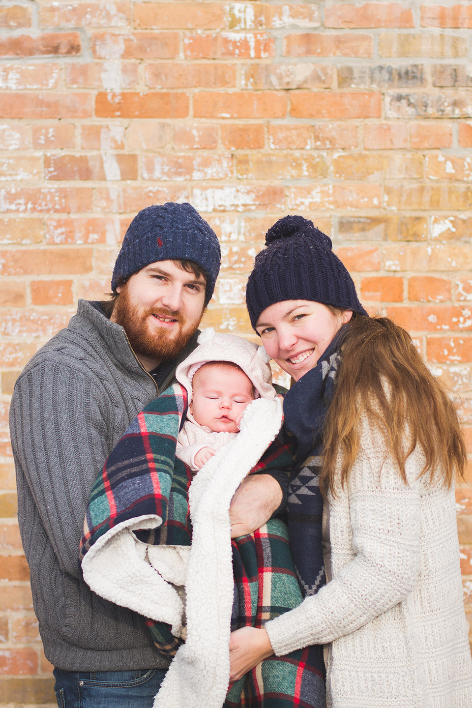Family portraits taken during winter in Orangeville by Frank Myrland Photography