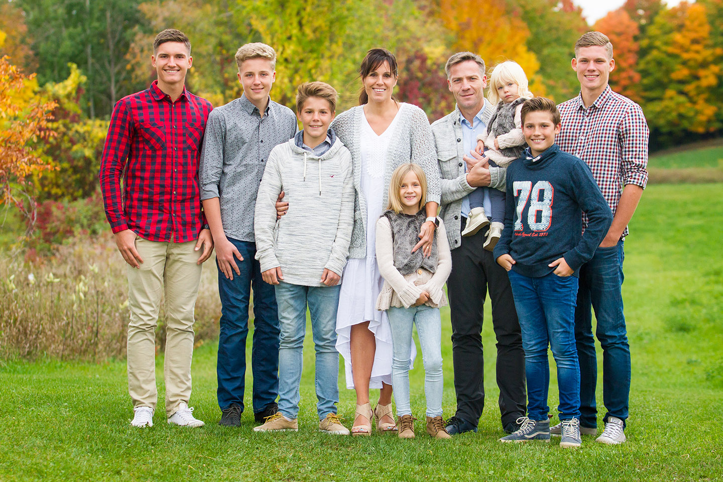 Family portraits taken during autumn in Orangeville by Frank Myrland Photography